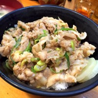 ボリューム満点、ササッと食べられる!伝説のすた丼屋 中野新橋店