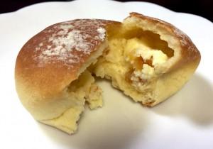 オレンジとクリームチーズのパン