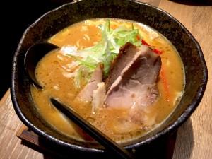 頂上味噌麺