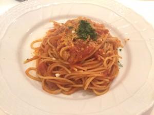 イタリア産パンチェッタと玉ねぎのトマトソース