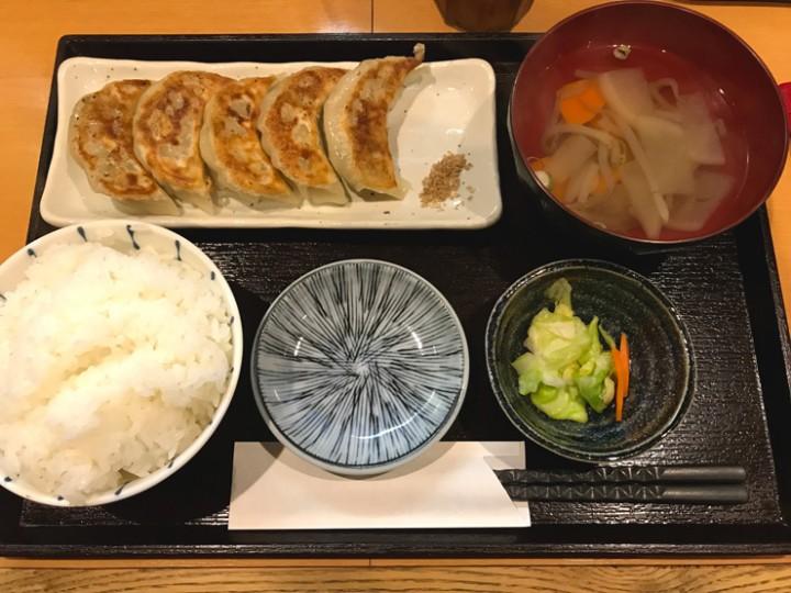 三元豚の手包み焼餃子定食