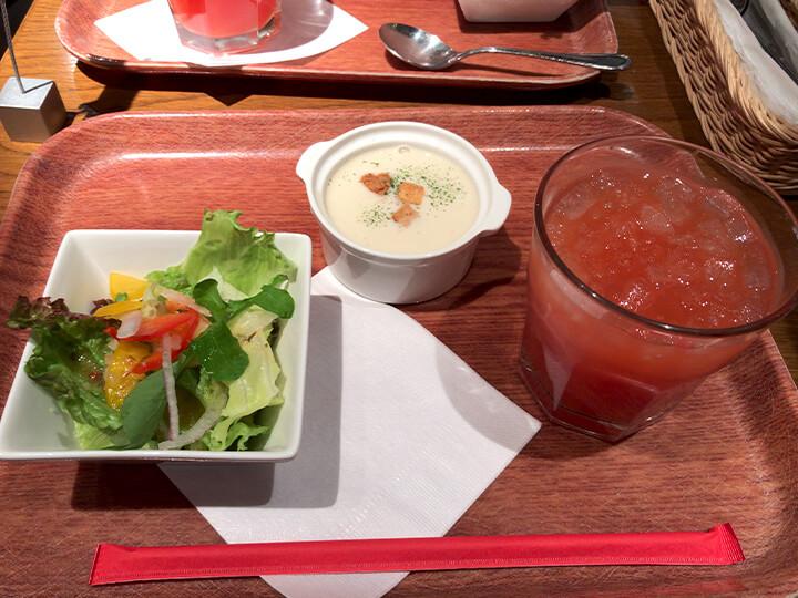 サラダ、スープ、ドリンク