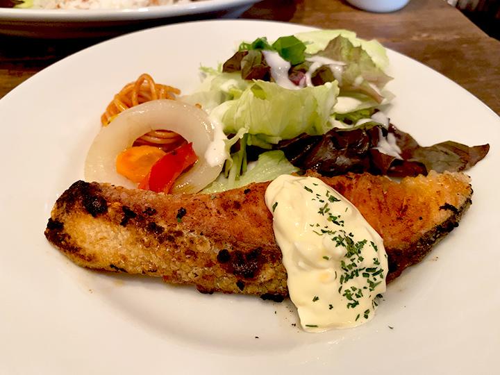 紅鮭ソテー自家製タルタル
