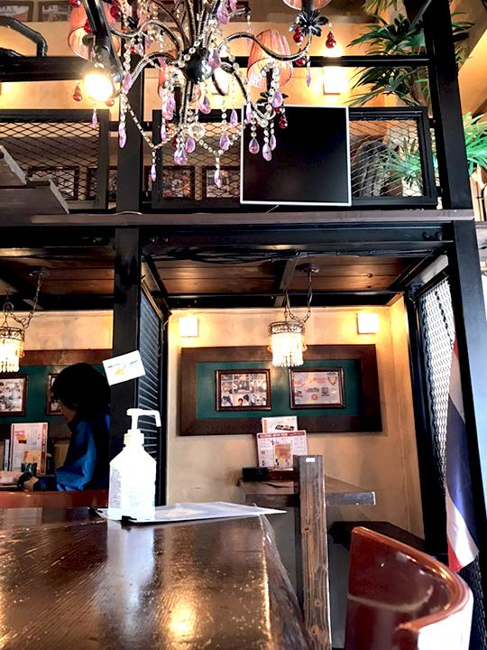 タイ酒場 サラパオ 店内